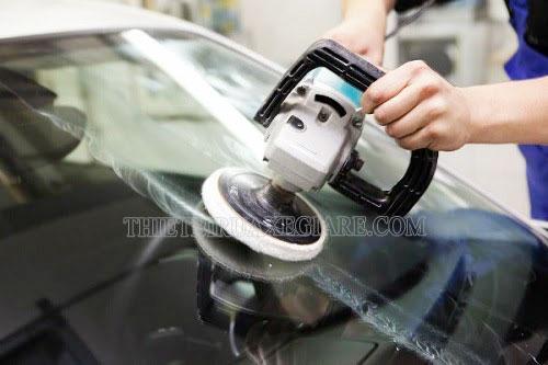 khắc phục kính xe hơi bị xước