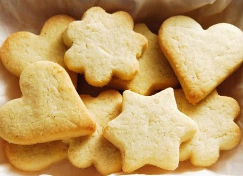 say xe ăn bánh quy